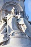 Monument der Königin Victoria in zentralem London lizenzfreie stockbilder