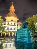 Monument en de Koepelbouw op Thammasart-universiteit Royalty-vrije Stock Foto's