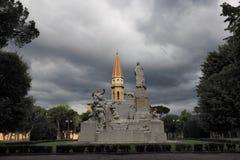 Monument en Toren van AREZZO, Italië stock afbeeldingen
