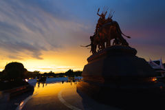 Monument för drottning Suriyothai Arkivfoto