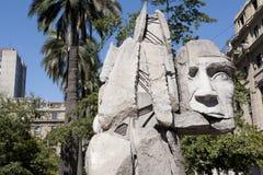 Monument för Mapuche indier, Santiago arkivbilder