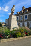 Monument för WWI-olycksoffer, i Chablis royaltyfri foto