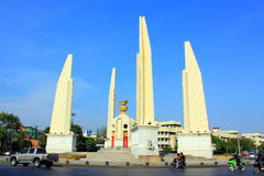 Monument för demokrati för Bangkok Landmarkâ Arkivfoto