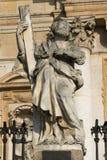 Monument framme av kyrkan av St Peter och Paul i Krakà ³ w Royaltyfria Bilder