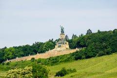 Monument Germania Niederwald auf dem Fluss Rhein nahe Ruedesheim in Deutschland stockfotografie