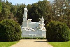 Monument in het park in Arezzo Stock Afbeelding
