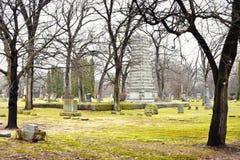 Monument i kyrkogård Arkivbilder