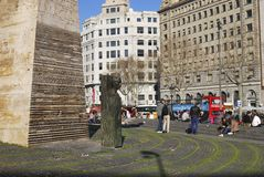 Monument i Placa de Catalunya. Barcelona. Spanien Arkivbilder