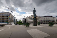 Monument of King Haakon VII, located on Henrik Ibsens gate Stock Photo