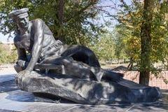 Monument la tombe de masse des marins des participants de l'opération terrestre en 1919 Image libre de droits