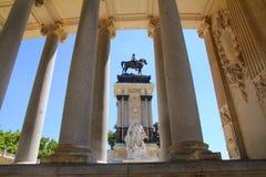 Monument Madrid d'Alfonso XII en stationnement de Retiro Photographie stock
