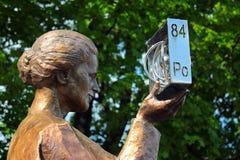 Monument ? Marie Sklodowska Curie ? Varsovie, Pologne photo stock