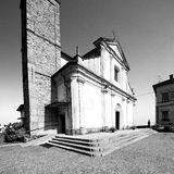 Monument old architecture in italy europe milan religion       a Royalty Free Stock Photography
