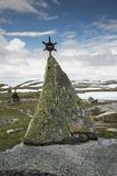 Monument på vägen 55 Norge Royaltyfri Bild
