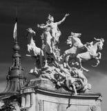 Monument in Parijs Stock Afbeeldingen