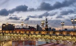 Monument-Peter der Große-Statue, die Patriarshy-Brücke MOSKAU RUSSLAND Lizenzfreie Stockfotografie