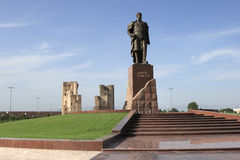 The monument and ruins of the Aksaray palace of Amir Timur in Shakhrisabz, Uzbekistan stock photography