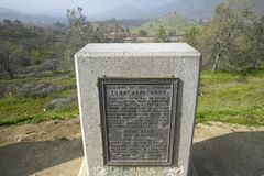 A monument sign from 1955 showing the Tehachapi Train Loop near Tehachapi California is the historic location of the Southern Paci Stock Photography