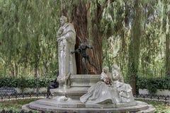 Monument som är hängiven till poeten Gustavo Adolfo Bcquer i Seville Royaltyfri Foto