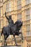 Monument som gör till kung Richard Lionhearten, London Arkivbilder