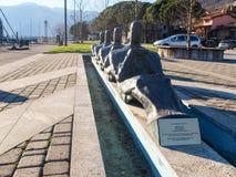 Monument som är hängiven till olympiska roddare Arkivbilder