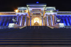 Monument som visar en placerade Genghis Khan arkivbild