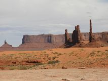 Monument-Tal-Arizona-Bildung Utah-Navajo Stammes- stockbilder