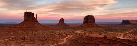Monument-Tal-Sonnenuntergang stockbilder