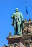 Monument till Alfred Escher på den Bahnhofplatz fyrkanten i Zurich Royaltyfria Foton
