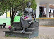 Monument till den berömda sovjetiska aktrins Nonna Mordyukova i Yeysk Royaltyfri Bild