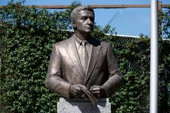 Monument till den första presidenten av Abchazien Vladislav Ardzinba Royaltyfria Bilder