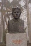 Monument till den nationella hjälten Vladimir Zografov som placeras i den bulgarian staden Burgas i havsträdgården Royaltyfria Bilder