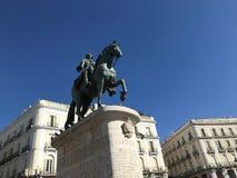 Monument till den Philip droppen av Spanien, Madrid, Spanien blå sky arkivbild