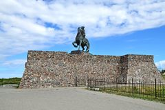 Monument till den ryska kejsarinnan Elizabeth Petrovna Stad Baltiysk, till Pillau 1946, Ryssland Royaltyfri Fotografi