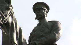 Monument till den ryska tsar i mitten av Sofia, Bulgarien arkivfilmer