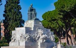 Monument till Giuseppe Mazzini royaltyfri foto