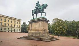 Monument till Karl Johan 14 - konung av Sverige och Norge som Karl 3 Juhan 1818-1844 arkivfoton