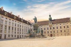 Monument till kejsaren Franz Joseph I i gästgivargårdderen Bourg i Wien, Österrike Fotografering för Bildbyråer