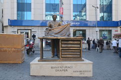 Monument till manufakturhandlaren eller hantverkare i Istanbul Royaltyfri Bild
