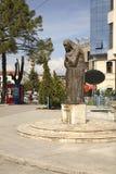 Monument till Mother Teresa i Shkoder albacoren arkivbilder