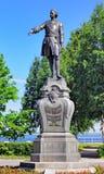 Monument till Peter det stort i Petrozavodsk, Ryssland Arkivfoto