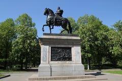 Monument till Peter I på en häst Royaltyfri Foto