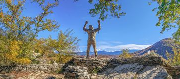 Monument till Prometheus på Eagle Rocks Sochi nationalpark royaltyfria foton