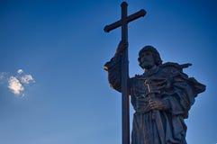 Monument till Volodymyr The Great En populär turist- destination staden för områdesbakgrundsmitten planlägger för moscow russia f Royaltyfri Fotografi