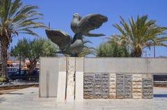 Monument twee duiven Royalty-vrije Stock Foto's