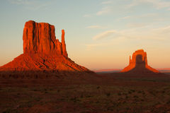 Free Monument Valley Sunset Royalty Free Stock Photos - 16400438