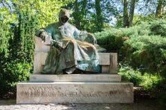 Monument van Anonieme notaris en kroniekschrijver van een Hongaarse Koning stock fotografie