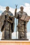 Monument van Kiril en Metodij in Macedonië, Skopje Zij waren twee broers die Byzantijnse Christelijke theologen en Christen waren stock foto