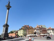 Monument van Koning Sigismund III in het vierkant voor Royal Palace in Warshau, Polen royalty-vrije stock foto's