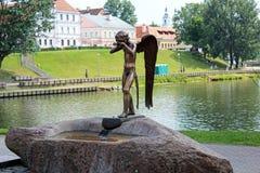 Monument van schreeuwende engel in Minsk Stock Fotografie